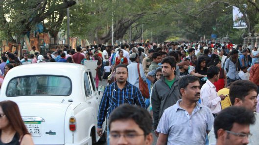 Art enthusiasts flocking the day long exhibition at Bangalore Art Fest